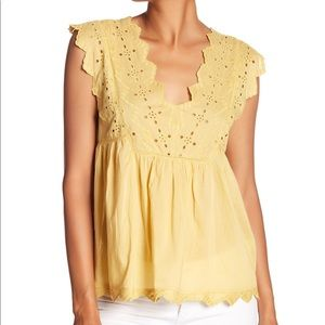 5 for $25 💕 Lucky Brand Eyelet Tank Top